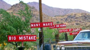 picture of Burma Shave advertising signs